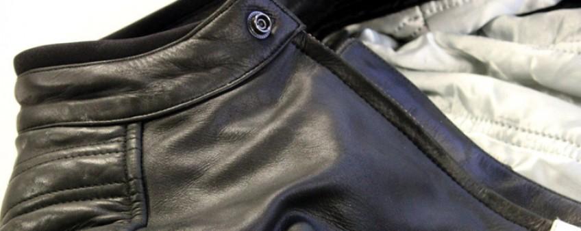 Entretenir une veste en cuir noir
